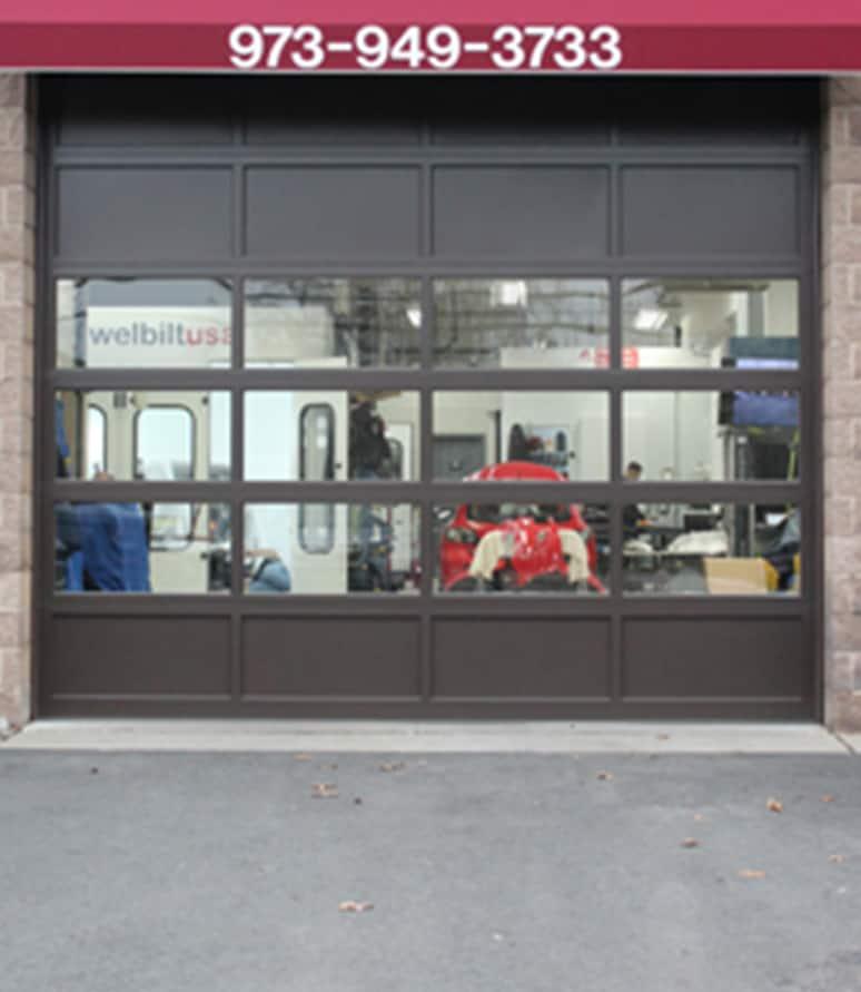 821 body shop